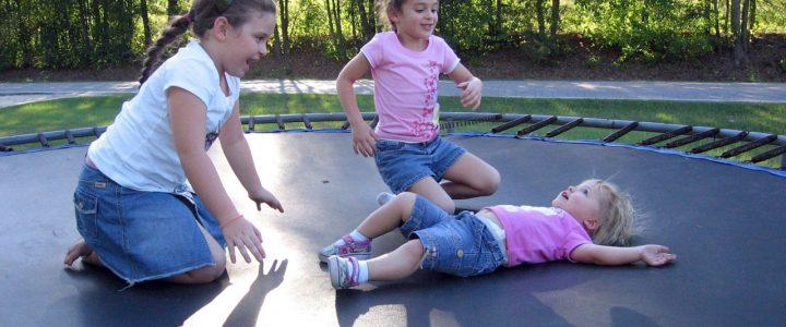 Vælg større trampolin for sikkerhed